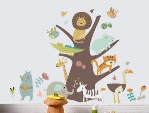 Ζώα πάνω σε κορμό Παιδικά Αυτοκόλλητα τοίχου Small 117×83