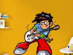 Αγοράκι που παίζει κιθάρα Παιδικά Αυτοκόλλητα τοίχου 40 x 40 cm