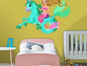 Γοργονίτσα πάνω σε μαγικό άλογο Παιδικά Αυτοκόλλητα τοίχου 43 x 65 cm