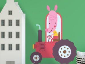Γουρουνάκι με όχημα Παιδικά Αυτοκόλλητα τοίχου 45 x 45 cm