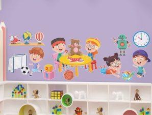 Μικροί φίλοι που παίζουν Παιδικά Αυτοκόλλητα τοίχου 46 x 130 cm