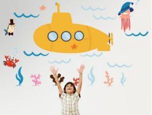 Υποβρύχιο στον βυθό Παιδικά Αυτοκόλλητα τοίχου 75 x 120 cm